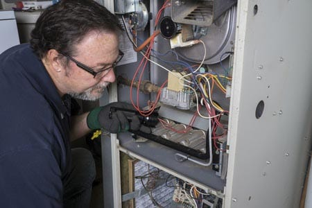 man doing heating service philadelphia pa